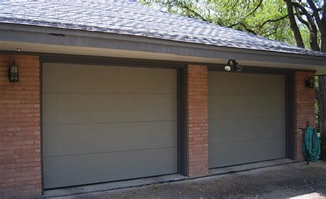 How To Paint A Metal Garage Door by Painting Metal Garage Doors Iimajackrussell Garages