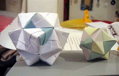 Origami Modules - about sonobe