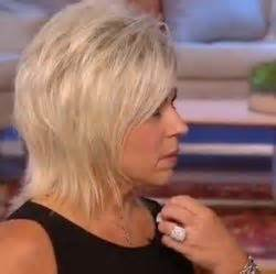 thersa caputllo is that her real hair are mediums real the long island medium theresa caputo