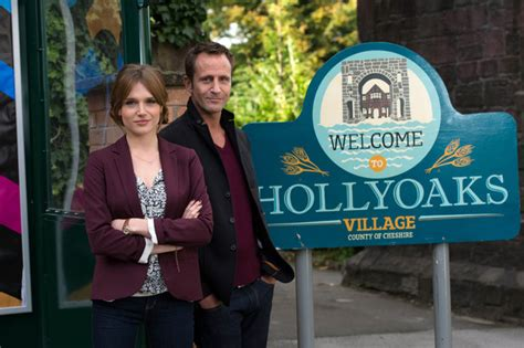 emily lawrence actress hollyoaks hollyoaks dodger savage to discover twin sister