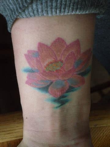 tattoo lotusbloem centraal tattoo s bokt nl