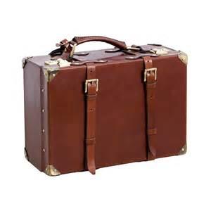 handmade leather suitcase cierva