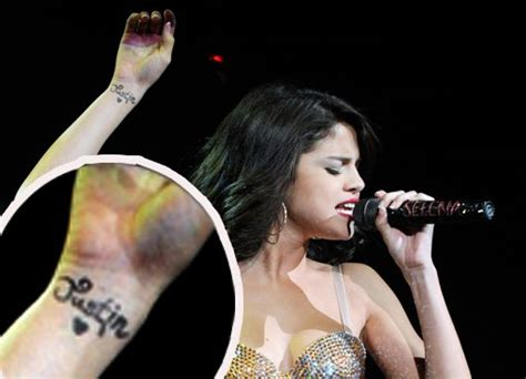 selena gomez expresses love with fake justin bieber