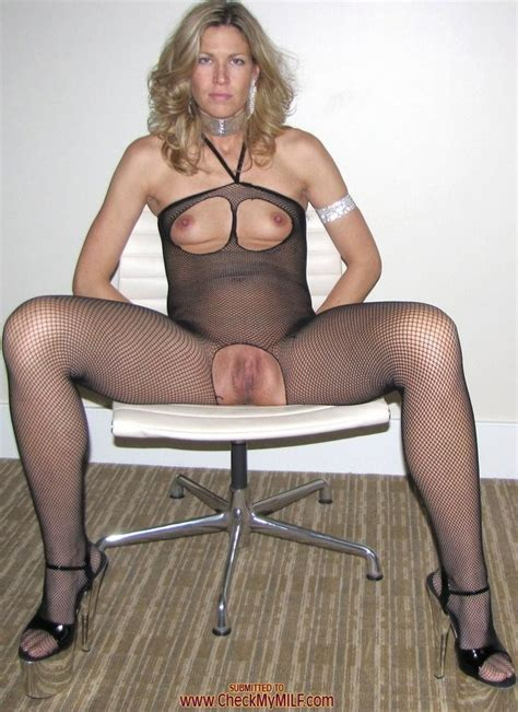 amateur milf Showing Pussy pichunter