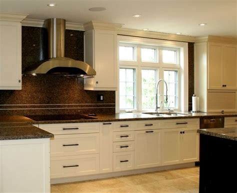 off white shaker kitchen cabinets 17 best ideas about off white cabinets on pinterest off