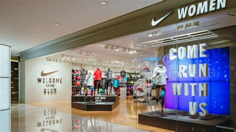 official store nikecom nike women s only store with premium on site sports