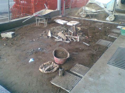 piastrelle posa a secco progetto pavimentazione a secco per giardino idee