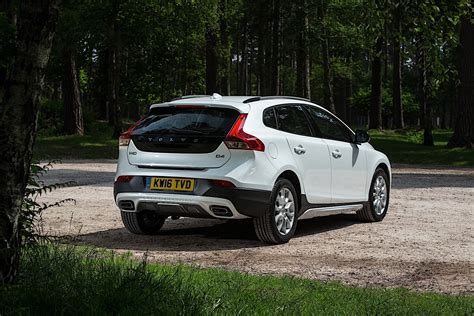 volvo v40 cross country specs 2016 2017 autoevolution