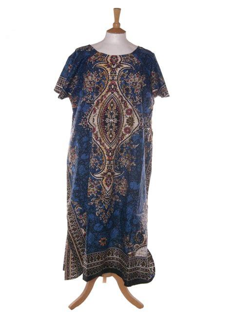 Batik Sarimbit Rok Blus Kaftan chic plus 210 batik print kaftan blue from ethnic fashion uk