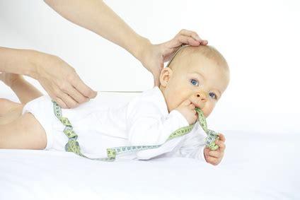fremdeln ab wann entwicklung schwangerschaft24