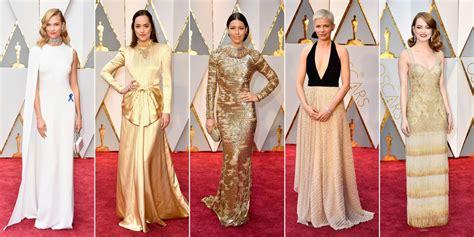 Oscars 2017 La Cara De P 243 Ker De Brie Larson Al Entregarle | oscar 2017 la alfombra roja
