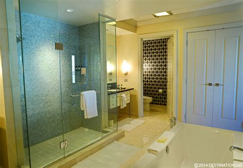 vegas bathrooms las vegas hotel suites luxury suites on the las vegas strip