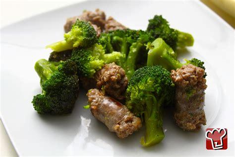 cucinare i broccoli in padella ricetta salsicce in padella con broccoli secondi a base