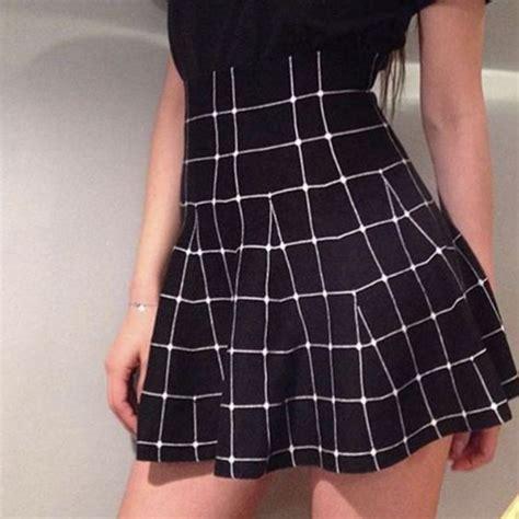 Black And White Line Skirt skirt black black and white white black skirt white