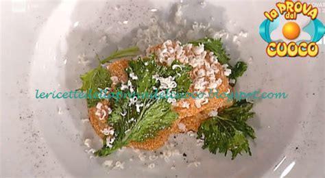 cucinare uova di pesce rigatoni alle uova di pesce con broccoletti cipolla