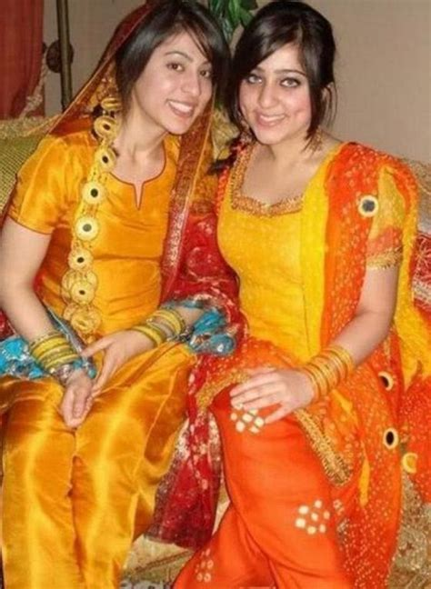 Hair Style Clothing by Bridal Hairstyle Dresses For Mehndi Day