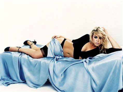 babes in bed billie piper dr who female celebrity