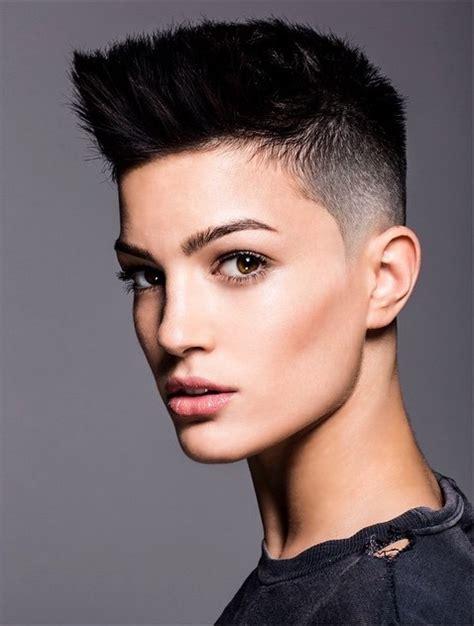 coupe de cheveux androgyne robin lai