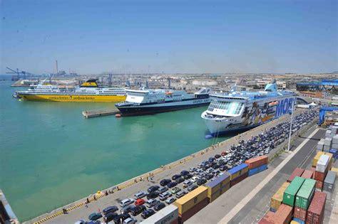 stazione civitavecchia porto civitavecchia lieve inquinamento in porto in corso gli