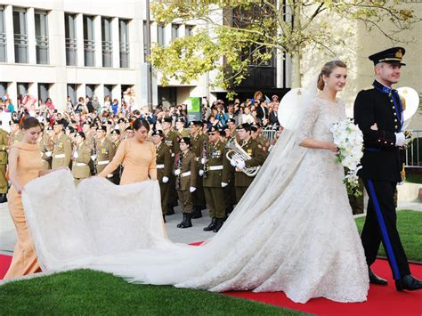 Royal Wedding A Glance Back At The Royal Wedding Dresses by Royal Wedding Gowns Photo 1 Pictures Cbs News