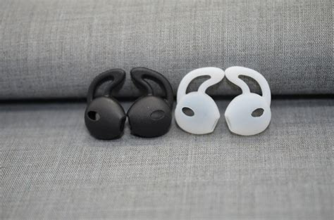 2 pairs silicone ear pads buds in ear headset earbuds eartips earplugs for apple airpods