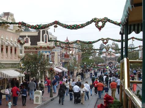 when do they take christmas decorations down at disneyland