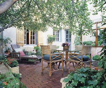 backyard getaway 10 ways to create a backyard getaway