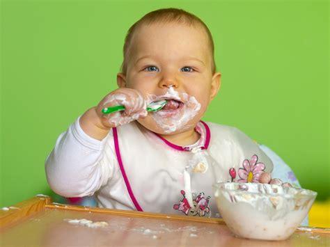 neonato 10 mesi alimentazione il bimbo rifiuta certi alimenti 8 10 mesi bimbi sani e