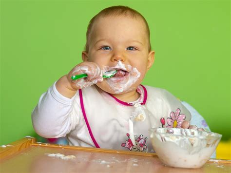 10 mesi alimentazione il bimbo rifiuta certi alimenti 8 10 mesi bimbi sani e