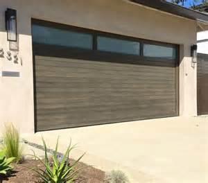 Modern Overhead Door Best 25 Modern Garage Doors Ideas On Modern Garage Contemporary Garage Doors And