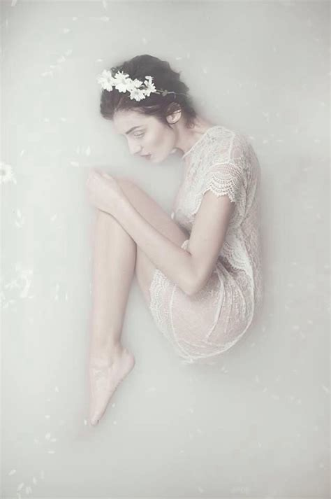 bathtub photography 45 best images about milk bath shoot on pinterest flower