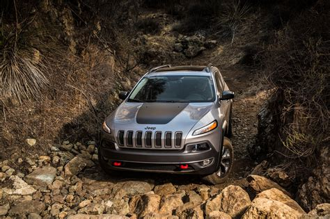jeep cherokee trailhawk 2014 jeep cherokee not recommended by consumer reports
