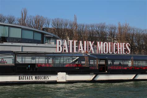 bateau mouche vedette pont neuf on s aime comme ca la seine et moi ma ville lumiere