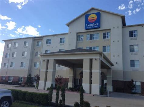 comfort inn oklahoma outside the building picture of comfort inn suites