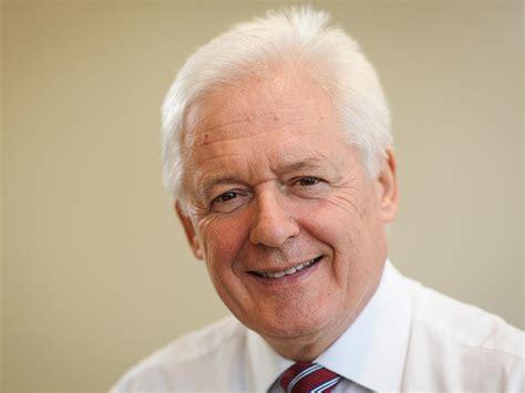 christopher russell headmaster eu referendum letter 1 280 business leaders sign letter