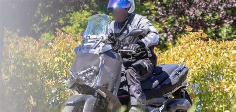 Spakbor Milan spyshot yamaha xmax 250 dan 400 di milan motoblast