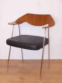 chaise avec accoudoirs design des 233 es 50 de robin day