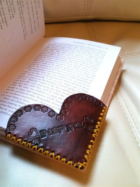 easy leather craft projects best 25 leather crafts ideas on leather
