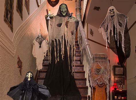 halloween house decorating ideas haunted house decorating ideas party city