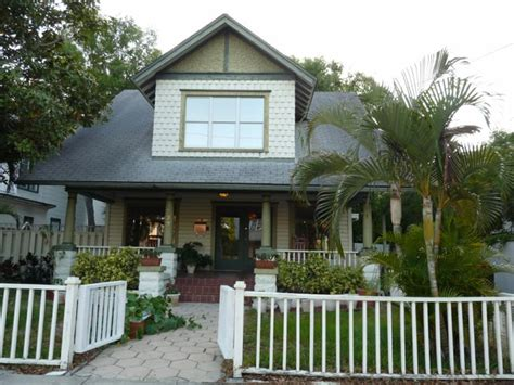 bungalows in florida florida bungalow style for court