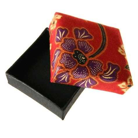 fair trade batik gift box 187 163 2 99 fair trade product