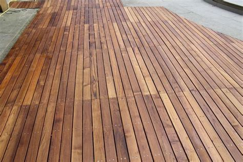 pavimento da esterno in legno pavimenti in legno per esterni foto 21 40 design mag