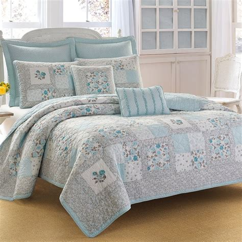 ashley comforters 1000 images about laura ashley bedding on pinterest