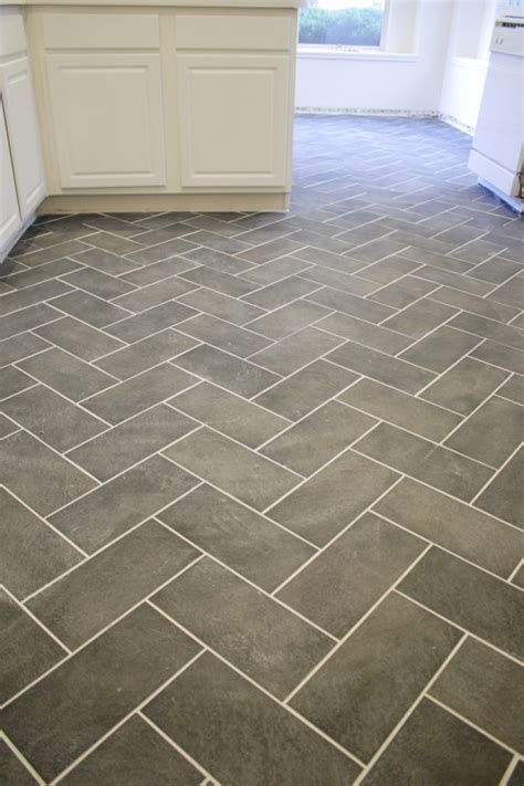 kitchen floor tile patterns herringbone tile pattern thelotteryhouse