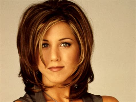 rachael ross hair is a wig or is it real jennifer aniston as rachel friends hair rachael edwards