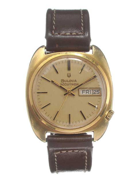 18ct gold gent s bulova wrist