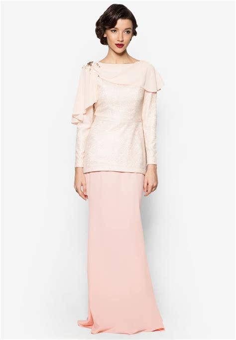 fesyen baju kurung moden zalora karina baju kurung jovian mandagie for zalora baju
