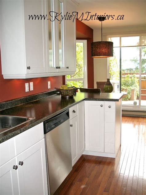 laminate countertops with white cabinets 68 best images about kitchen on stove antique