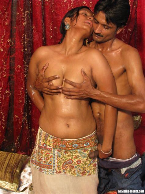 Hot Indian Girls Going Down Xxx Dessert Picture 8