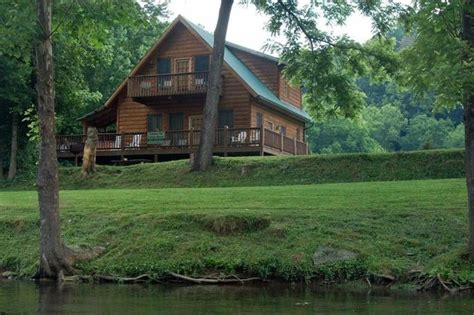 Townsend Tennessee Cabin Rentals by Fishin Cabin Overlooking The River In Townsend Tn Family Owned 3 Br Vacation